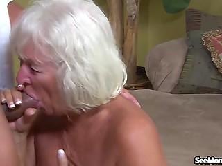 У мужика становится так светло на душе, когда баба берёт его хуй в рот и засасывает