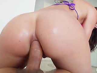 Observant man notices a butt plug in Aidra Fox's anus and replaces it with dick soon