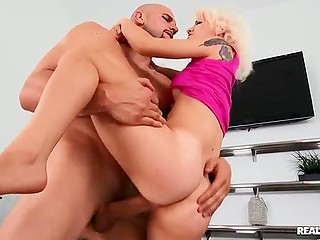 Joyful blonde Bella Jane facialized after intense sex with the owner of impresive bulge